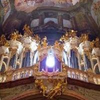 Хор Свято-Данилова Монастыря - Днесь Висит на Древе (антифон 15, глас 6)