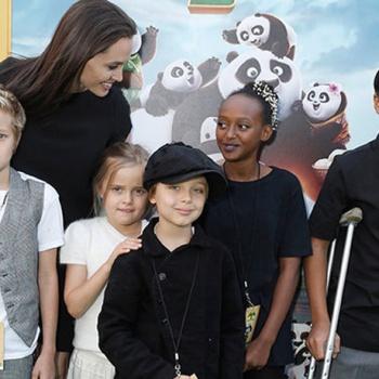 Анджелина Джоли накормила детей скорпионами и тарантулами