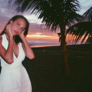 Анастасия Решетова удивила фанатов новой короткой стрижкой
