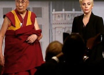 Lady Gaga встретилась с Далай-Ламой