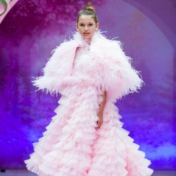 Лиза Анохина приняла участие в юбилейном показе бренда SASHA KIM