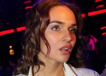 Алена Водонаева пристыдила мусорящих водителей