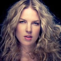 Diana Krall - 01. I Love Being Here With You